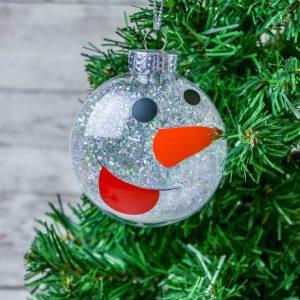 Snowman Disc Ornament (Cricut Tutorial)